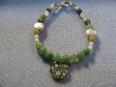 An interesting and fun green bracelet~